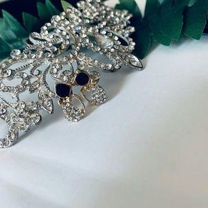 Jewelry - Black Sapphire & crystal Rhinestone Cat earrings